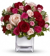 """True Love"" Premium Rose Arrangement - Deluxe"